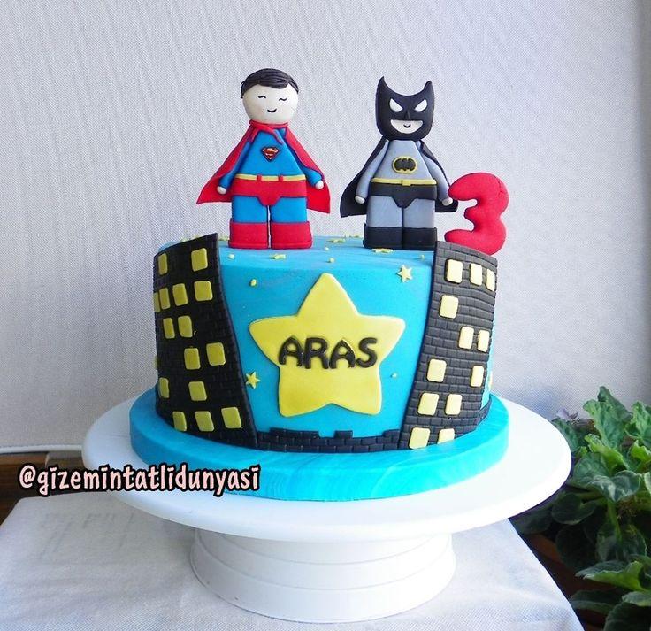 """117 Beğenme, 2 Yorum - Instagram'da Butik Pasta / Kurabiye (@gizemintatlidunyasi): """"Aras 3 Yaşında#supermancake #batmancake #batman #superman"""""""