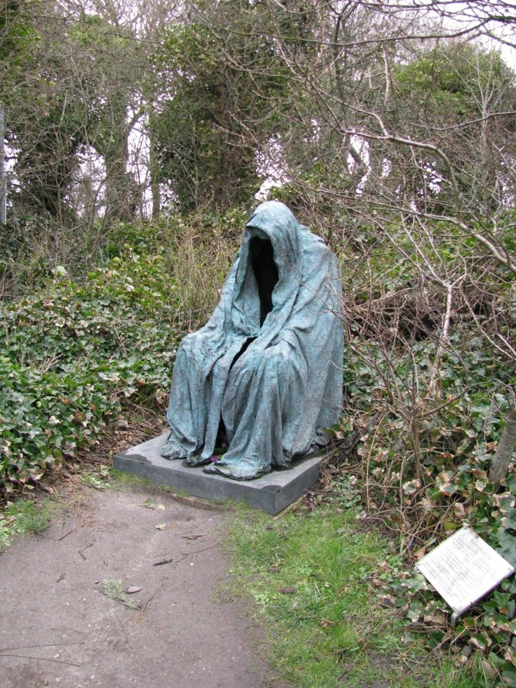 Cloaked Figure Headstone  EEEkkkk this would scare me to death