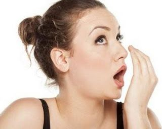 How to Cope Bad Breath in Naturally