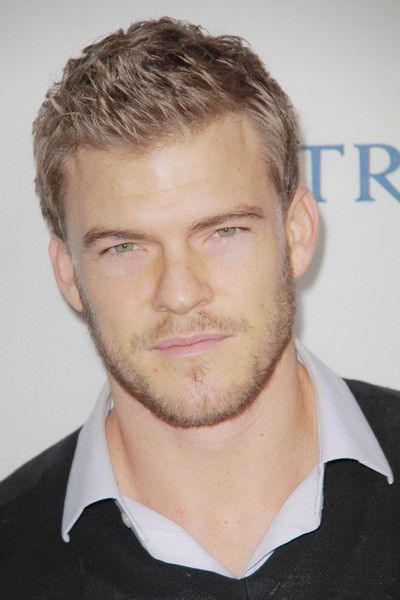 Alan Ritchson Pictures & Photos