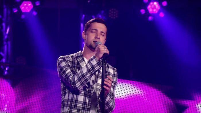 Stas Shurins kommt aus Lettland und war Teeniestar in der Ukraine. Beinahe hätte er seine Heimat beim Eurovision Song Contest 2014 vertreten. Dann kam der Krieg und der Sänger verlor alles. Bei The Voice of Germany 2016 will Stas Shurins einen Neuanfang wagen.