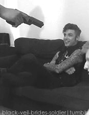 Andy's laugh❤️❤️❤️ he's not afraid of the gun hehehe I just laughed when I saw him