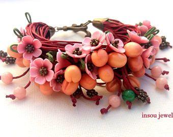 Fiore braccialetto, bracciale, braccialetto rosso, avvolgere il bracciale, Boho bracciale, Bracciale in cotone, gioielli primavera, frutta gioielli, regalo donna