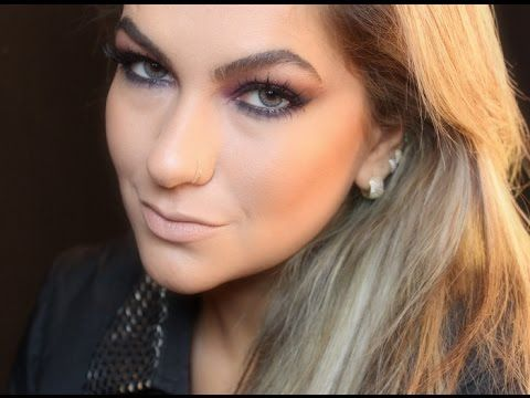 Alice Salazar maquia com lentes de contato cinza