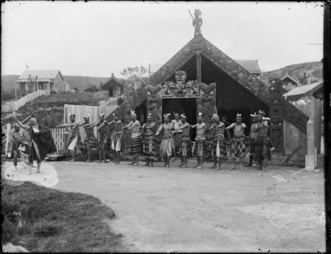 Haka outside Te Rauru meeting house, Whakarewarewa