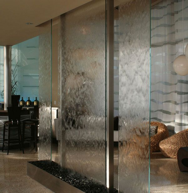 Las 25 mejores ideas sobre fuentes de agua interiores en - Decoracion en cristal interiores ...