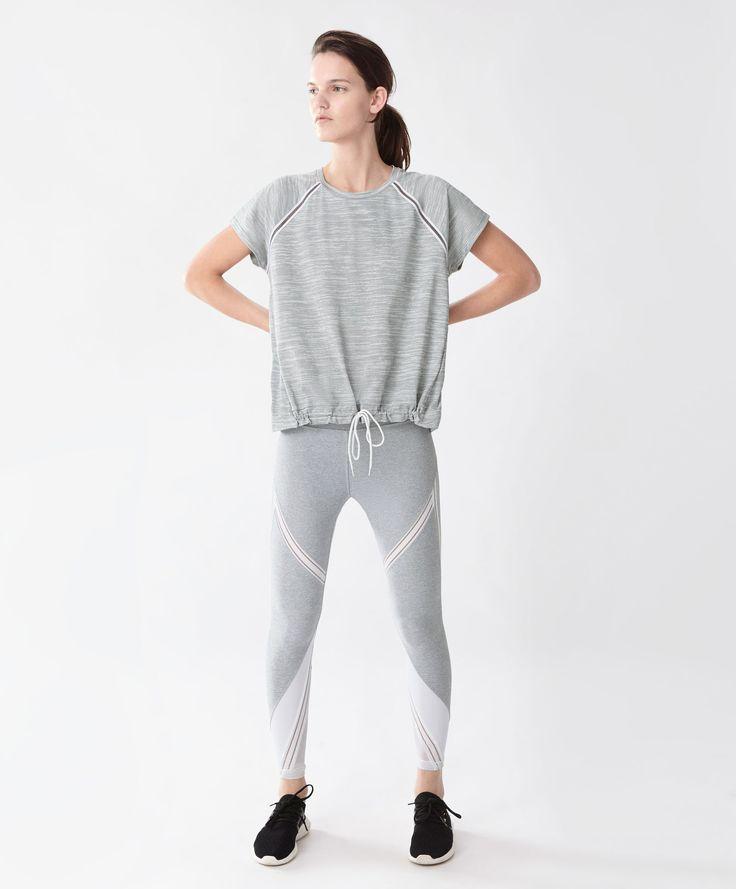 Футболка со шнуром - Фитнес - Тенденции женской моды весна лето 2017 на Oysho онлайн: нижнее белье, спортивная одежда, пижамы, купальники, бикини, боди, ночные рубашки, аксессуары, обувь и аксессуары. Модели для каждой женщины!
