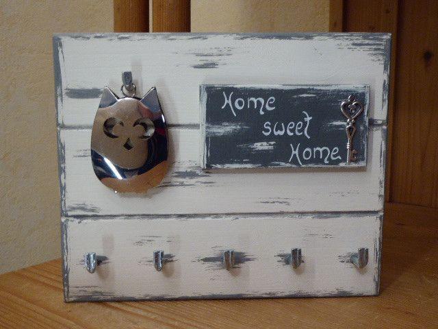 Hakenleisten - ♥ Schlüsselbrett ♥.*Home sweet Home* mit Eule.. - ein Designerstück von DekoHolzStube bei DaWanda