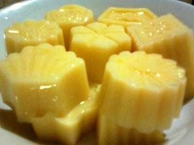 Puding Jagung - Berikut ini ada panduan serta video cara membuat resep puding jagung lapis coklat santan custard kaleng hercules ncc yang paling enak, mudah dan lembut.