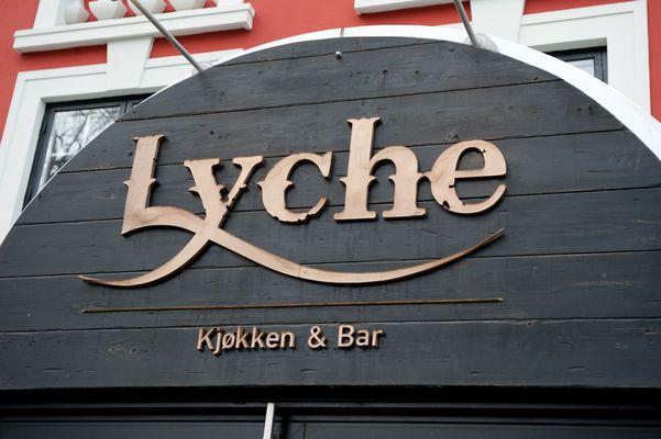 LYCHE