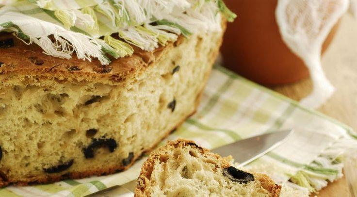 Кипрский оливковый хлеб