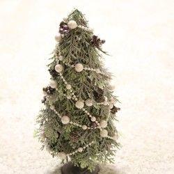 シルバーグリーンでちょっと大人っぽく♪クリスマスツリー