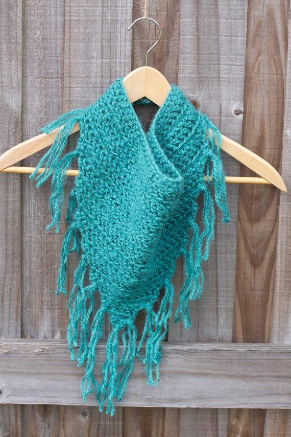 Crochet Scarf Pattern With Fringe : fringe scarf CrochetHolic - HilariaFina Pinterest ...