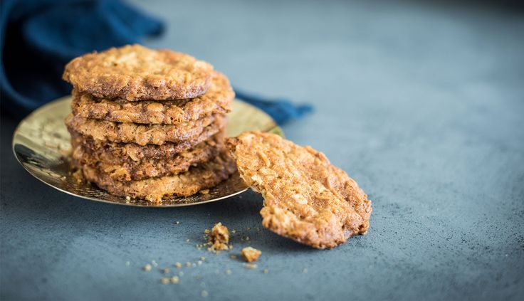Maple Syrup ANZAC Biscuits - Queen Fine Foods