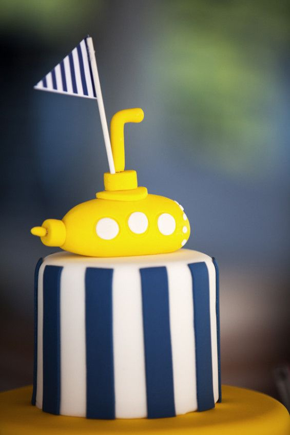 The Yellow Submarine @Catherine Feleky Club, Piraeus by De Plan V.  Detail from christening cake, yellow submarine, flag.
