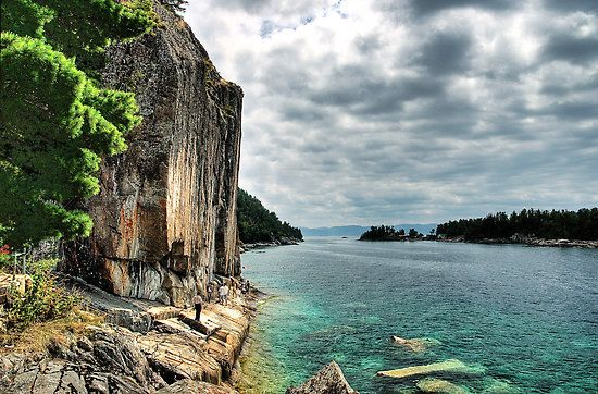 One of the most beautiful areas in northern Ontario - Agawa Rock, Lake Superior Provincial Park, Ontario Canada by Eros Fiacconi (Sooboy)
