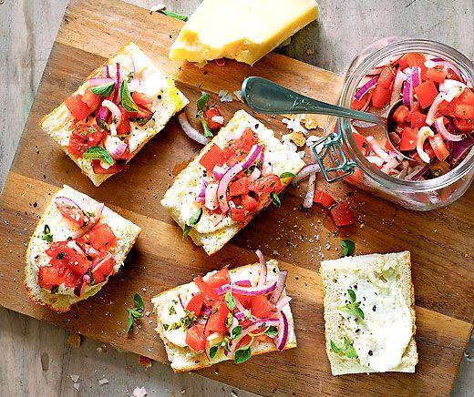 Tomaten-Bruschette mit Parmesancreme
