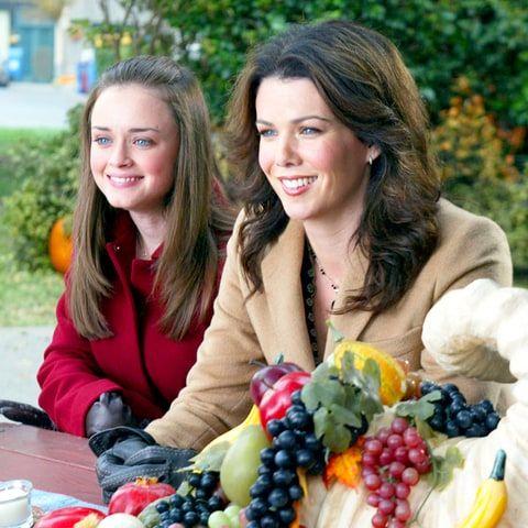 Lauren Graham Teases 'Gilmore Girls' Revival in New Netflix Promo - Us Weekly