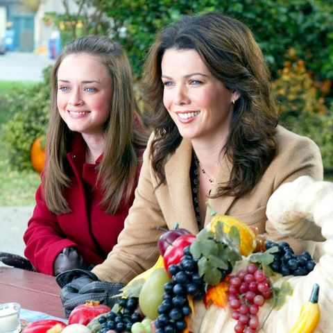 Lauren Graham Teases 'Gilmore Girls' Revival in New Netflix Promo - Us Weekly