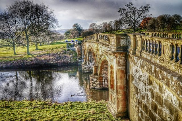 Alistair Ford: Stone Bridge in Chatsworth Park