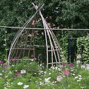 17 meilleures id es propos de tuteur plante sur pinterest tuteur jardin vigne grimpante et. Black Bedroom Furniture Sets. Home Design Ideas