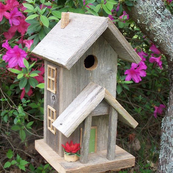 Offered from a retired Master Carpenter is a Condo style birdhouse constructed from weathered cedar salvaged from an old fence demolished by Hurricane Katrina. It will stand up to Ma Nature as it is constructed of weather resistant cedar utilizing quality exterior glue, galvanized nails and screws . The base is easily removable for cleanout.  The doorknob is an old square nail.  The dimensions are 8 wide, 15 tall and 9 deep and it weighs 5 pounds. The entrance hole is 1.5 which is suitable…