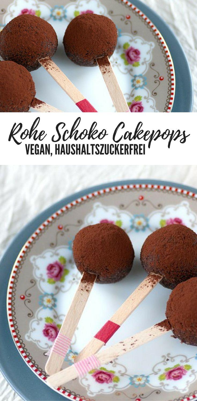 Rohe, vegane Schoko Cakepops ohne Haushaltszucker. Mit Mandeln, Datteln und Cashews. Gesund, süß und lecker.