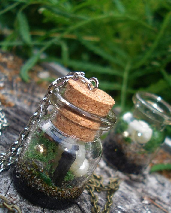 Lost in the Island Man in a bottle Terrarium Mini by DreamADesign