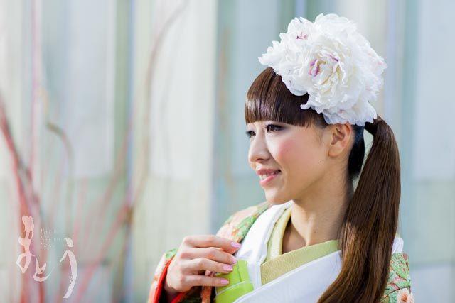"""""""旅立ち""""  Model : M. Onose, Photo : K. Maeda (L-clip), Hair&make up : K. Hatano (amoroso), Produce : M. Shimizu (Prima!)"""