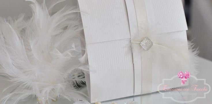 Giunta la proposta, anello di fidanzamento ormai al dito, felicità alle stelle, arriva il momento di progettare partecipazioni e inviti che saranno il biglietto da visita delle vostre #nozze e che anticiperanno il mood del vostro #evento. Potrete scegliere tra un'ampia varietà di stili, colori e decori oppure possiamo realizzare tutto ciò che desiderate partendo dal vostro tema, idea o ispirazione. #weddingparty   #weddingplanning