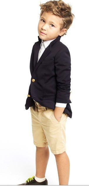 http://www.cheap-neckties.com/blog/wp-content/uploads/2013/04/Blazer_And_Shorts.jpg