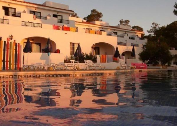 Casa de playa en Portinatx. 1 Dormitorio + 1 Baño + 2 Plazas > http://www.alwaysonvacation.es/alquileres-vacaciones/1414279.html?currencyID=EUR #AlwaysOnVacation #Verano #IslasBaleares