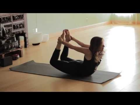 Free Yoga Class (Vinyasa Yoga 45 min Class) - YouTube - This is probably the best yoga workout video I've found. The instructor has a soft relaxing voice, but the workout is also challenging and there are options for modifications. Enjoyable music to help keep the breath in rhythmn.