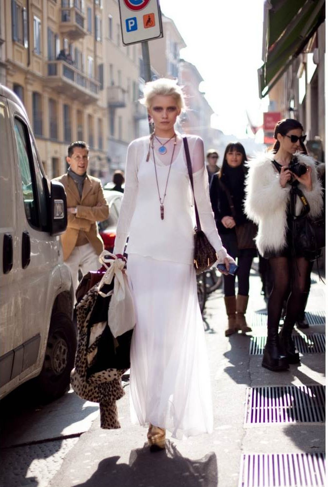 How can you make a maxi dress look cool again you ask?  avoid boho and go for a more gothic or victorian feel by 1) Adding a sharp jacket 2) Investing in a heavy wedge book or ankle boot 3) Going easy on the jewelry