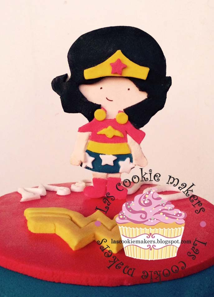 WONDER WOMAN CAKE TORTA  MUJER MARAVILLA lascookiemakers@gmail.com