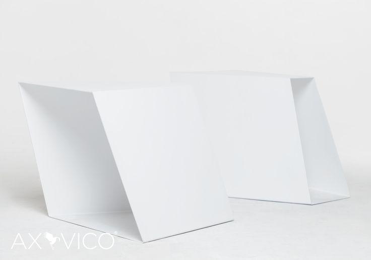 Banco/Mesa Akari Diseño chapa plegada https://www.facebook.com/axvico by Sebastian Vedoya