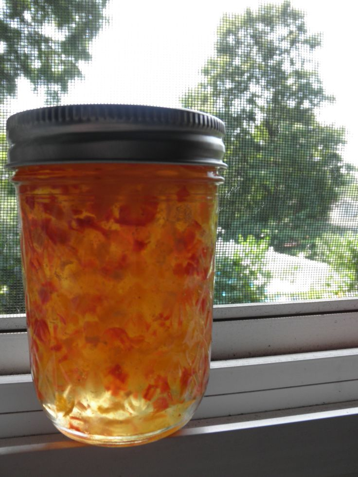 How to Make Habanero Jam - Canning Recipe - Completely AMAZING with cream cheese on crackers. Who needs dinner.