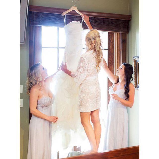 Don't forget your getting ready robes Available @miaelenabridal luxury timeless robes great for Bodoir photos, wedding day, even maternity shoot #miaelenabridal #bridalboutique #bridalcouture #bridalaccessories #bridaljewelry #bridalheadpiece #bridalveils #bridalgarters #bridalrobes #bridalstyle #instabride #bride #brides #bridal #bridetobe #futuremrs #engaged #engagement #shesaidyes #isaidyes #njbride #nybride #longislandbrides #statenislandbrides