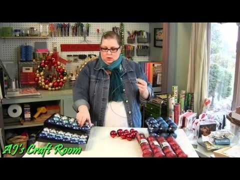 SIMPLE WAY TO MAKE YOUR OWN WREATH WITH A COAT HANGER, ORNAMENTS AND SOME RIBBON!  >>VIDEO  #Christmas Ideas #Holiday decorations