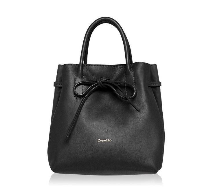 """Medium Shopping Bag """"Arabesque"""". Black Paris calfskin. #Repetto #RepettoBags #Black #RepettoArabesque"""