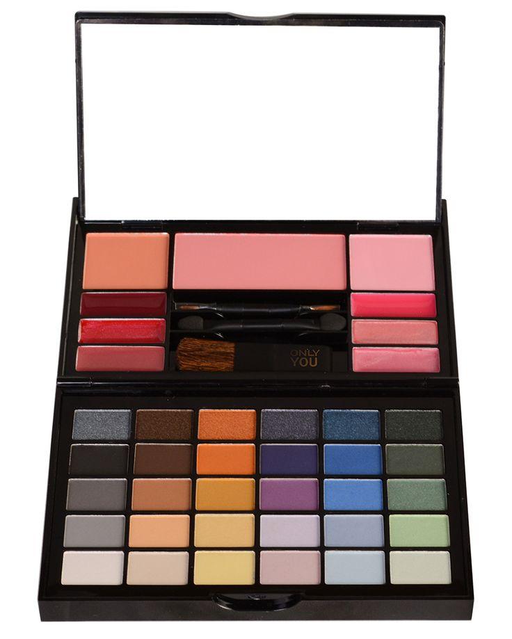 ONLY YOU SMALL MAKE-UP PALET Dit handig palet laat je extra stralen dankzij haar glamoureus kleurenpalet.