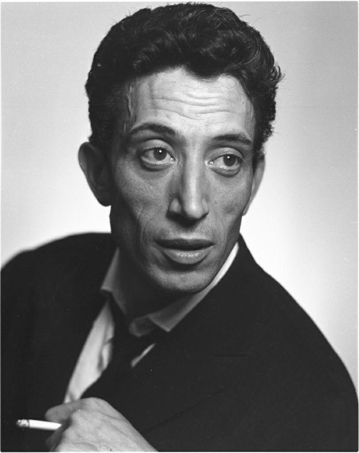 Philippe Clay, de son vrai nom Philippe Mathevet, est un chanteur et acteur français, né dans le 14e arrondissement de Paris le 7 mars 1927 et décédé à Issy-les-Moulineaux le 13 décembre 2007 d'une crise cardiaque