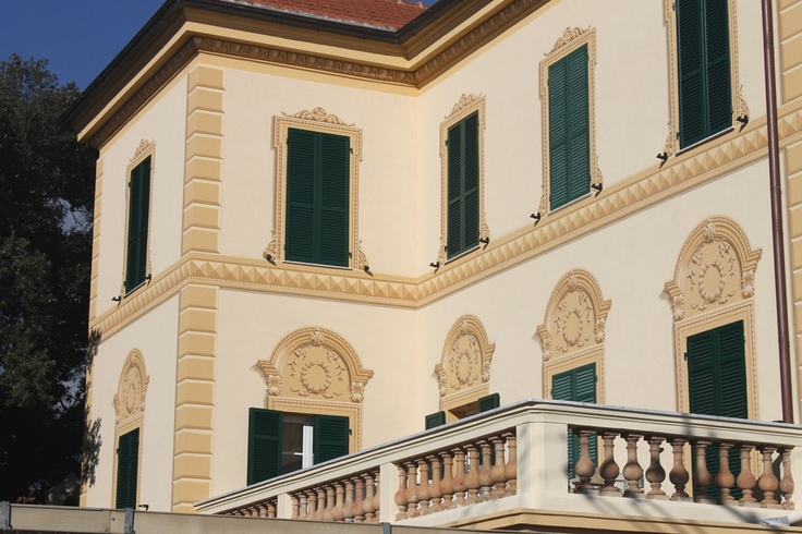 Beautiful fin-de-siècle villa, typically Ligurian in outdoor decorations and architectural structure. ... Find out trompe l'oeil shutters!