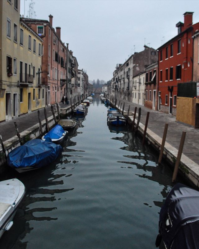 So many people have travelled these waters over time . Venice, Italy . #thinkythings #italy #venice #gondolarides #travelgram #soold . Also MERRY CHRISTMAS!
