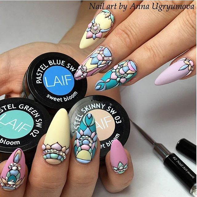 AMAZING NAIL ARTISTRY BY THE  FABULOUS ANNA UGRYUMOVA Be Fabulous Share your look using #amazingmakeupart to be featured
