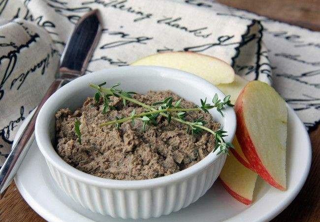 Chicken Liver Pâté with Mushrooms and Bacon (Paleo, AIP, 21DSD, Whole30)