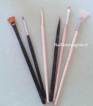 come pulire i pennelli per nail art  http://www.nailarteunghie.it/abc-delle-unghie/come-pulire-i-pennelli-per-nail-art/
