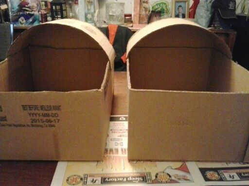 Making baby basinets from cardboard boxes