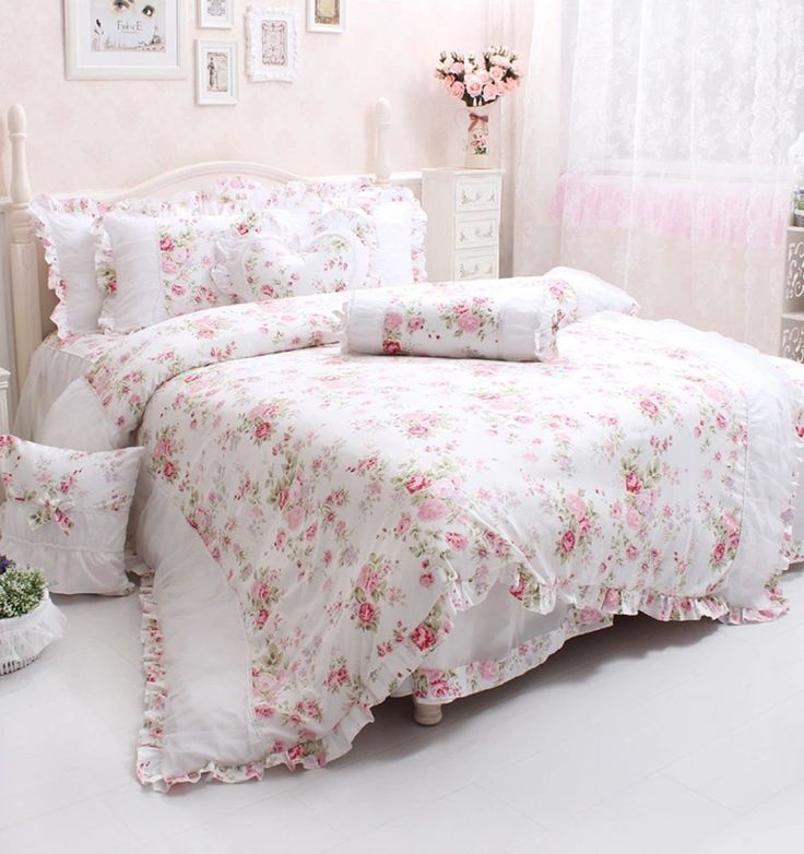 25 best ideas about girls twin bedding sets on pinterest twin beds for kids white bunk beds. Black Bedroom Furniture Sets. Home Design Ideas