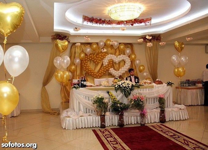 Decoração para casamento com bexigas douradas